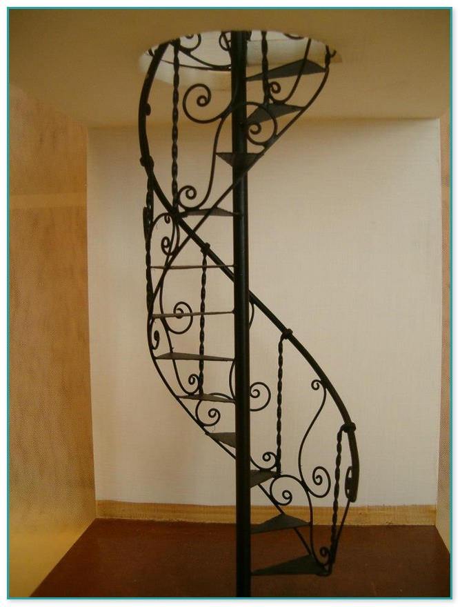 Byers Choice Spiral Staircase