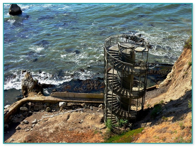 Spiral Staircase Design Guide